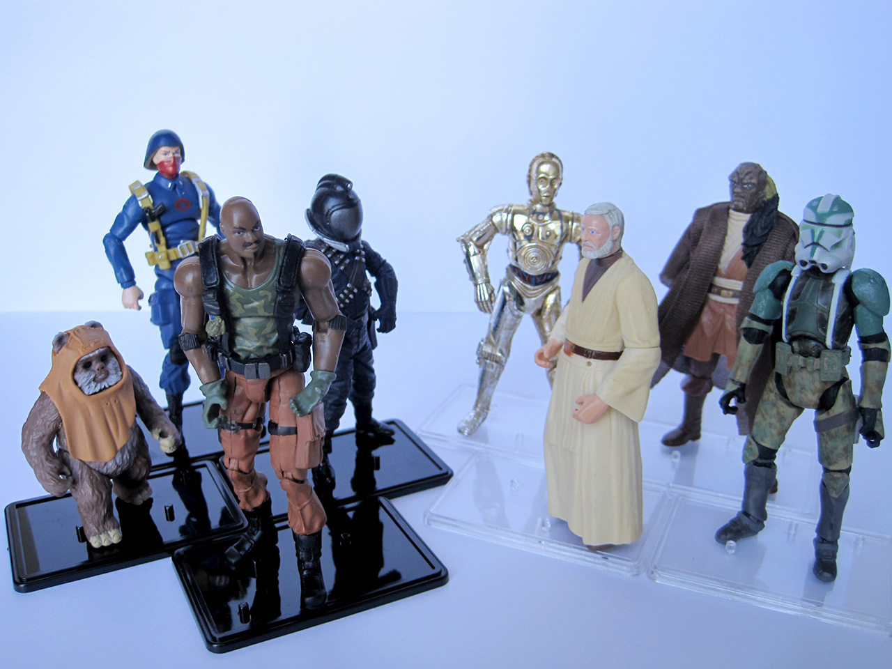 SmallJoes Modern Action Figure Stands