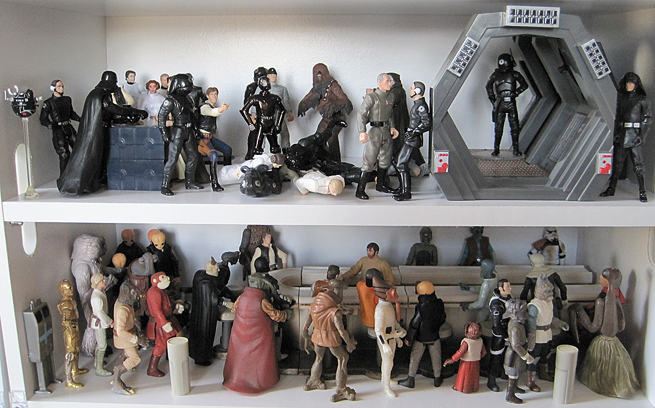 Star Wars Death Star and Mos Eisley Cantina action figures